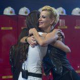 Bárbara se abraza a Adara después de su salvación en 'Gran Hermano 17'