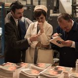 Ana Ribera pensativa junto a Mateo Ruiz en 'Velvet
