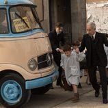 Emilio López a cargo de los niños en 'Velvet'