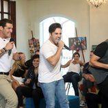 Manu Tenorio, David Bustamante y Alejandro Parreño cantando durante 'OT. El reencuentro'
