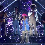 Beatriz Luengo interpretando a Michael Jackson en 'Tu cara me suena'