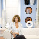 Ana Rosa Quintana posa en el sillón en 'El programa de Ana Rosa'