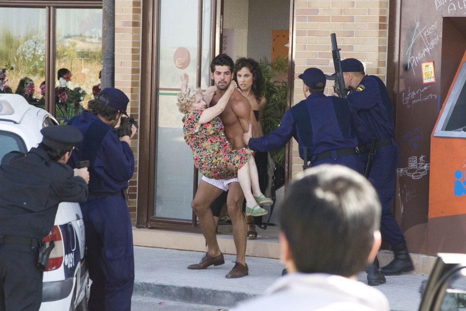 El actor Miguel Ángel Muñoz desnudo en la serie 'El sindrome de Ulises'