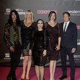 Mario Vaquerizo y Alaska junto a unos amigos en los Premios Cosmopolitan 2016