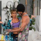 Héctor pinta junto a Maite en 'La que se avecina'