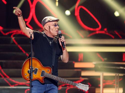 Juan Muñoz es Fito y los Fitipaldis en 'Tu cara me suena'