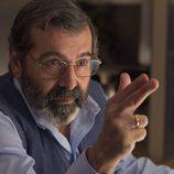 Manuel Morón interprentando al mediador en