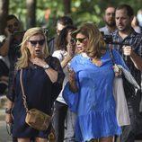Terelu Campus y Carmen Borrego paseando por Málaga en el rodaje de 'Las Campos'