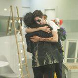 Candelas y Pablo se abrazan en 'Gran Hermano'