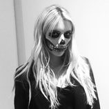 Emma Roberts se disfraza por Halloween 2016