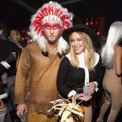 Hilary Duff y Jason Walsh disfrazados por Halloween 2016