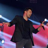 David Bustamante cantando junto a Naím Thomas en el concierto de 'OT. El reencuentro'
