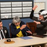 Fermín proporciona un golpe a Vicente en la mesa presidencial de Montepinar en 'La que se avecina'