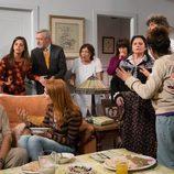 Reunión de vecinos en casa de Vicente y Fermín en 'La que se avecina'