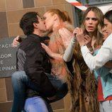 Judith besándose con su nuevo novio en 'La que se avecina'
