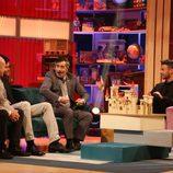 Eduardo Aldán con los primeros invitados de 'Espinete no existe' de TVE