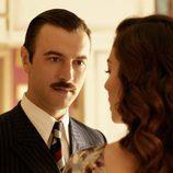 Javier Rey interpretando con Blanca Suárez en 'Lo que escondían sus ojos'
