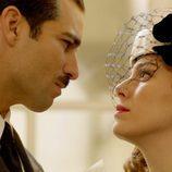 Rubén Cortada y Blanca Suárez se miran fijamente en 'Lo que escondían sus ojos'