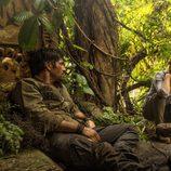 """Alex y Hooten hablan en """"Amazonas"""", el primer episodio de 'Cazadores de leyendas'"""