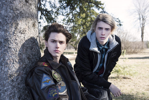 Tyler Young y James Paxton posando durante 'Eyewitness'