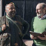 Enrique Pastor habla con un ciudadano de Villazarcillo en 'La que se avecina'