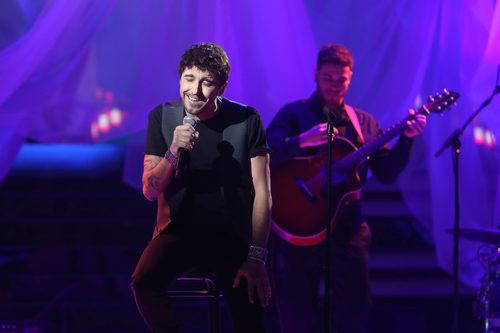 El actor Canco Rodríguez imita a Antonio Orozco en la novena gala de 'Tu cara me suena'