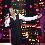 Esther Arroyo en el escenario de 'Tu cara me suena' intepretando a Sade en la novena gala de 'Tu cara me suena'