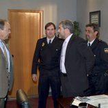 Gerardo Castilla asiste a la detención de un sospechoso en 'El comisario'