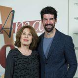 María José Goyanes y Miguel Ángel Muñoz en el photocall de los 1000 capítulos de 'Amar es para siempre'