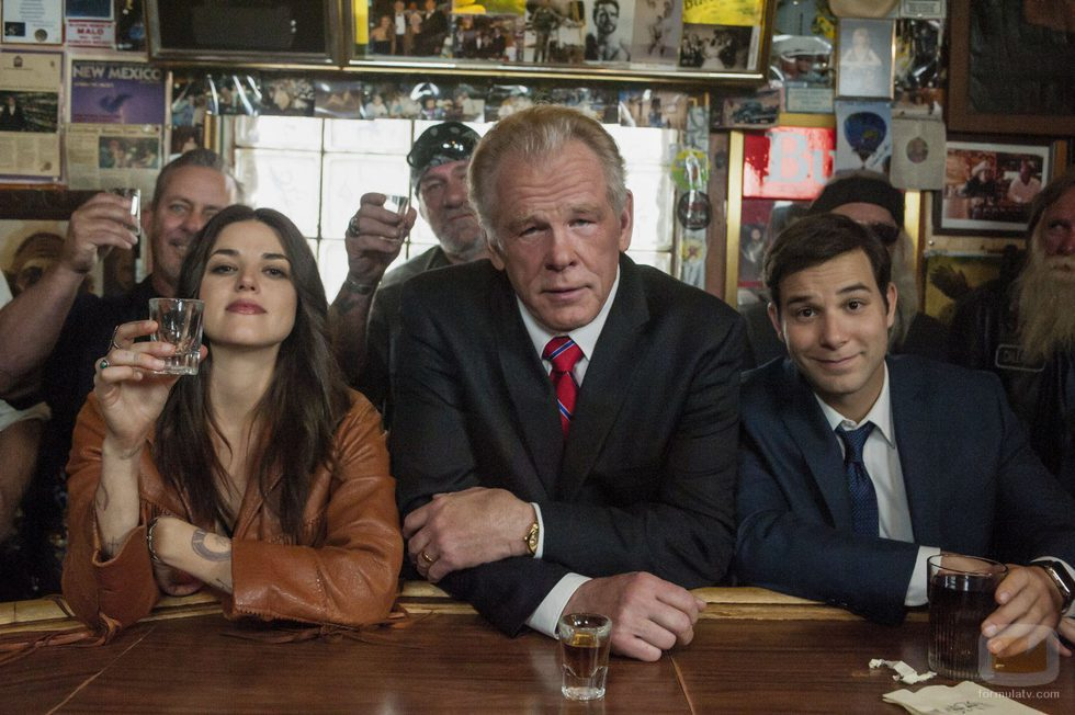 Callie Hernandez, Nick Nolte y Skylar Astin en 'Graves'
