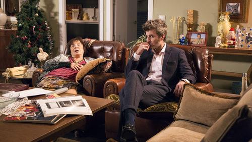 Jesús Olmedo junto a Petra Martínez en el último capítulo de la novena temporada de 'La que se avecina'