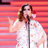 Diana Navarro actuando en la Gala de los 60 años de TVE