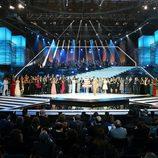 Raffaella Carrà despide la Gala de los 60 años de TVE junto al resto de artistas invitados
