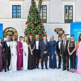 Los presentadores de los especiales de Navidad de RTVE junto a Eladio Jareño