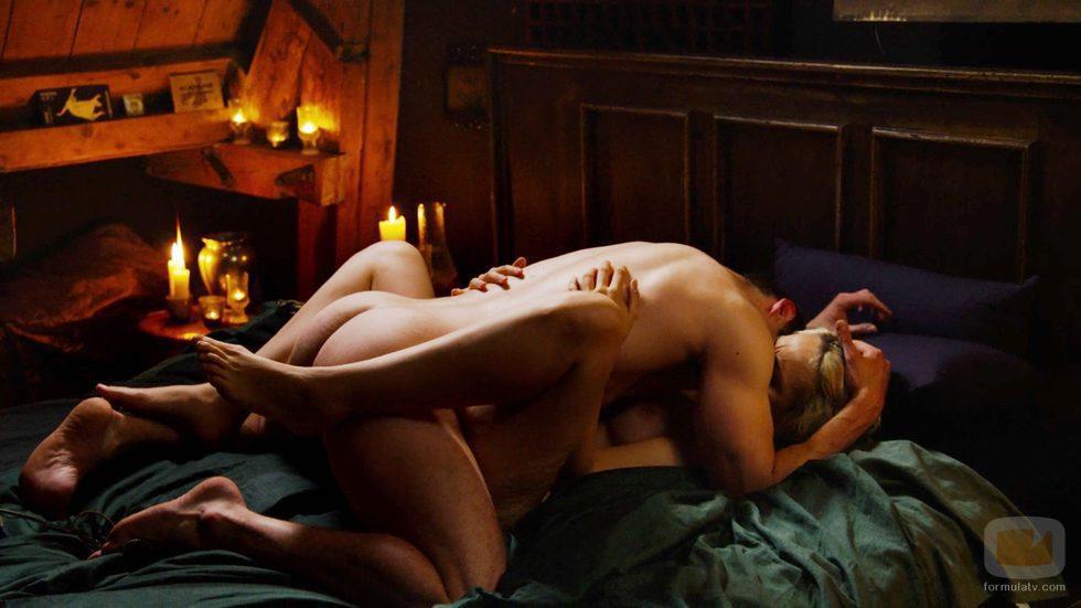 Wolfgang Bogdanow, desnudos, tienen sexo con Riley Blue en el capítulo especial de Navidad de 'Sense8'