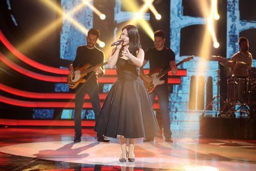 Lucía Gil es Natalia Jiménez en la undécima gala de 'Tu cara me suena'
