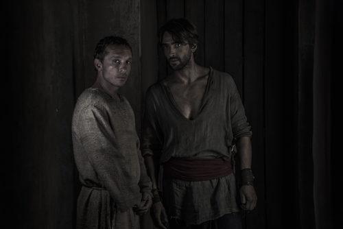Aitor Luna y Pablo Derqui en 'La Catedral del Mar'
