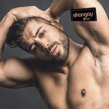 Alain ('GH 17') aparece semidesnudo en la sesión de fotos para Shangay