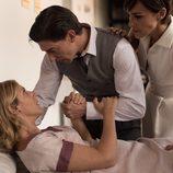 Rita  junto con Pedro y Ana en el último capítulo de 'Velvet'