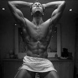 Marco Ferri, concursante de la quinta edición de 'Gran Hermano VIP', posa semidesnudo en una sesión de fotos