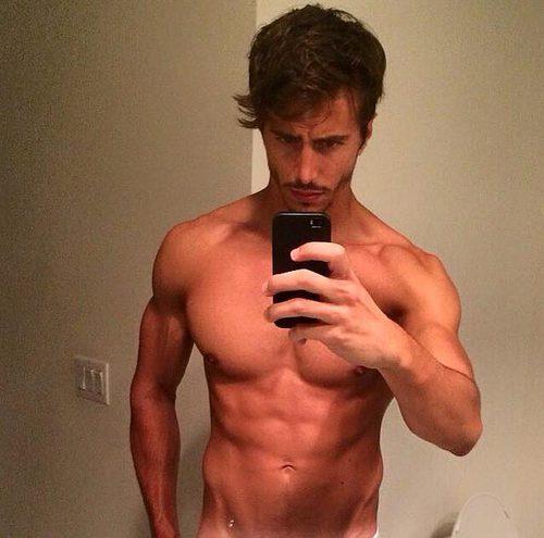El italiano Marco Ferri, concursante de 'Gran Hermano VIP 5', aparece sin camiseta en las redes sociales