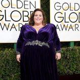 Chrissy Metz, nominada por 'This is us', posa en la Alfombra Roja de la 74ª edición de los Globos de Oro