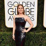 Amy Adams, nominada por 'Arrival', posa en la Alfombra Roja de la 74ª edición de los Globos de Oro