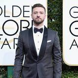 Justin Timberlake posa en la Alfombra Roja de la 74ª edición de los Globos de Oro