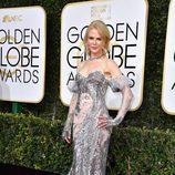 Nicole Kidman en la Alfombra Roja de la 74ª edición de los Globos de Oro
