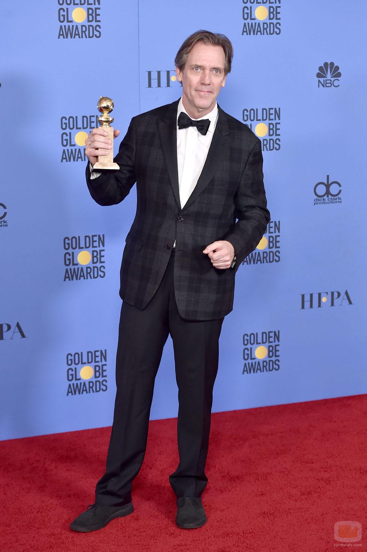 Hugh Laurie, ganador del Globo de Oro a Mejor actor de reparto por 'The Night Manager'