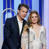 Timothy Olyphant y Drew Barrymore de 'Santa Clarita Diet' durante la gala de los Globos de Oro 2017