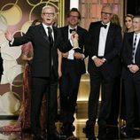 El reparto de 'The Crown' recoge el Globo de Oro 2017 a Mejor serie de drama