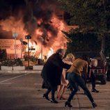 La familia Alcántara huye de una explosión en el primer capítulo de la temporada 18 de 'Cuéntame cómo pasó'