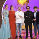 El jurado y la presentadora de 'MasterChef Junior' junto con el chef Jordi Roca en la final del programa